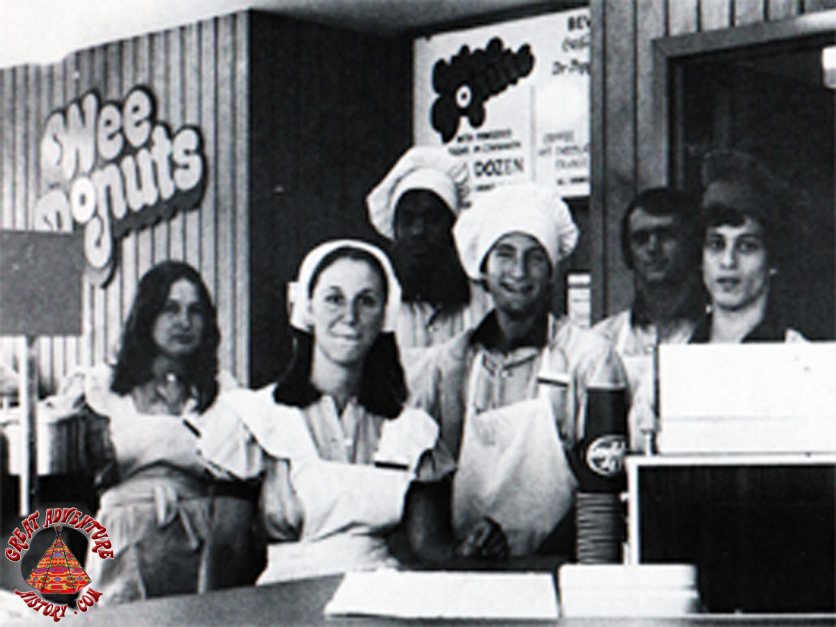 WeeDonuts1979_01%20copy.jpg