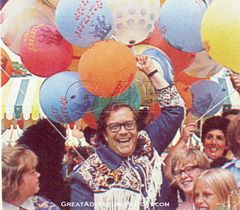 Warner LeRoy at the gates of Great Adventure 1974
