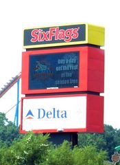 Six Flags Over Georgia Highway Sign