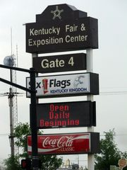 Six Flags Kentucky Kingdom Higway Sign