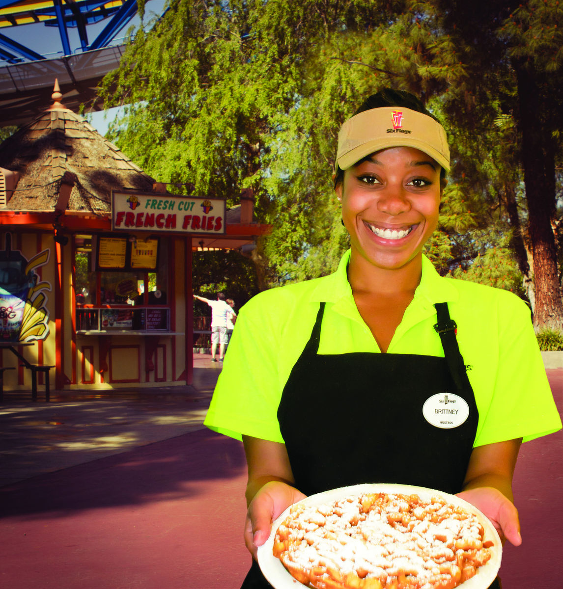 photo six flags team member food service