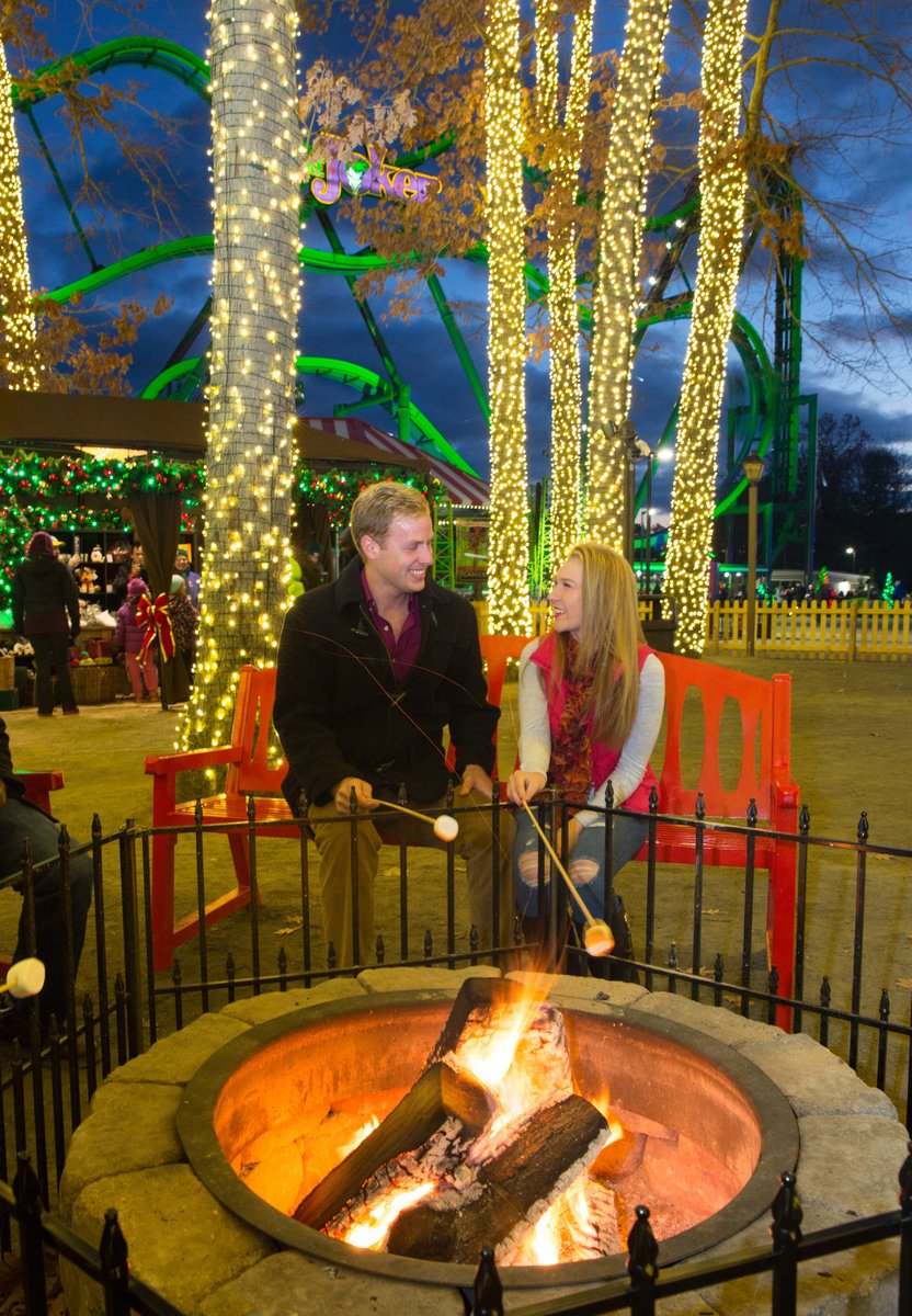 PHOTO_ Merry Market Place toasting marshmallows 1.jpg