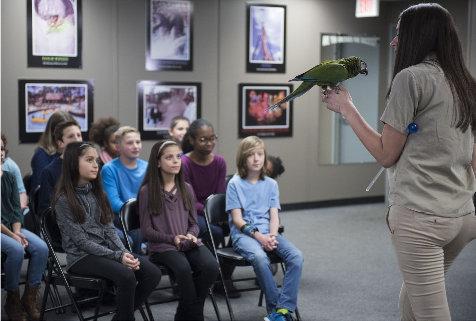 PHOTO__Educator_Alicia_with_parrot.jpg