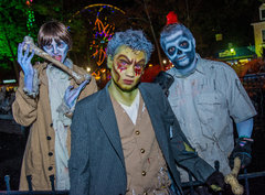 Fright Fest Bloody Fountain Zombies.jpg